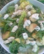 Sałatka z gruszką i gorgonzolą przepis