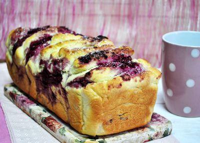 Odrywany chlebek malinowo