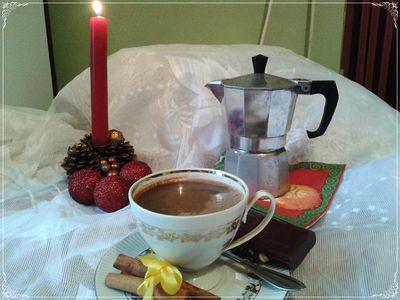 Kawa z czekoladą i cynamonem