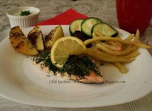 Łosoś na parze z warzywami  prosty przepis i składniki