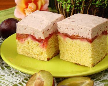 Ciasto ze śliwkami do góry nogami pod powidłową pianką ...