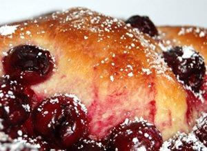 Ciasto drożdżowe z wiśniami  prosty przepis i składniki