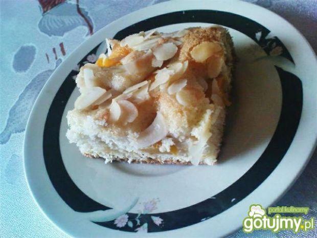 Przepis  ciasto z brzoskwiniami i migdałami 2 przepis
