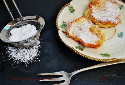 Racuchy z karmelizowaną gruszką