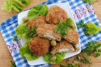 Mielone z serem feta i oliwkami