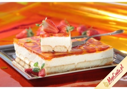 Tort z kaszy manny z galaretką i owocami