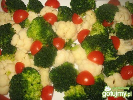 Przepis  sałatka brokułowo  kalafiorowa przepis