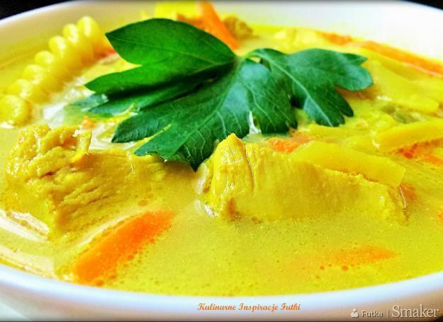 Zupa curry z kurczakiem i makaronem