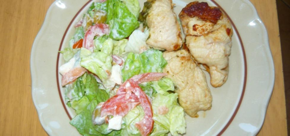 Pierś kurczaka z pesto i lekką sałatką (autor: daria16 ...