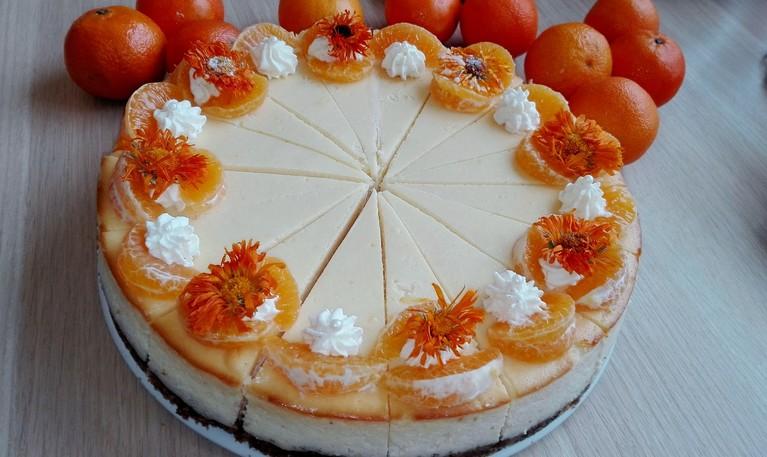 Sernik z miodem i pomarańczą