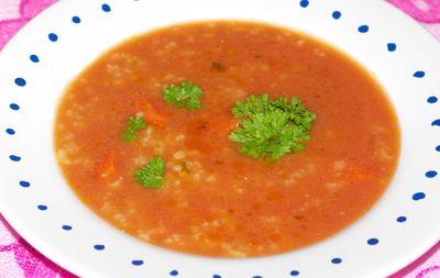 Prosta zupa pomidorowa z ryżem