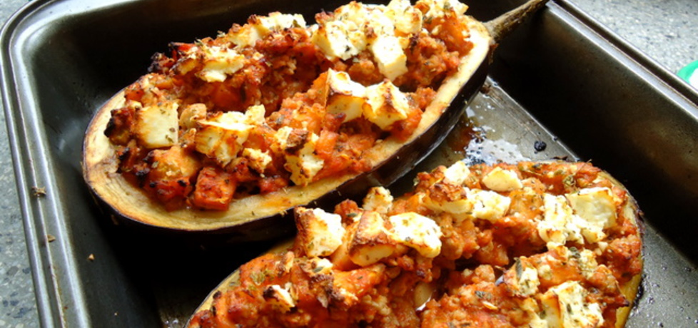Zapiekany bakłażan faszerowany mięsem mielonym i serem feta ...
