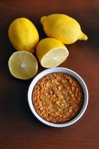 Pieczona owsianka cytrynowa z ricottą