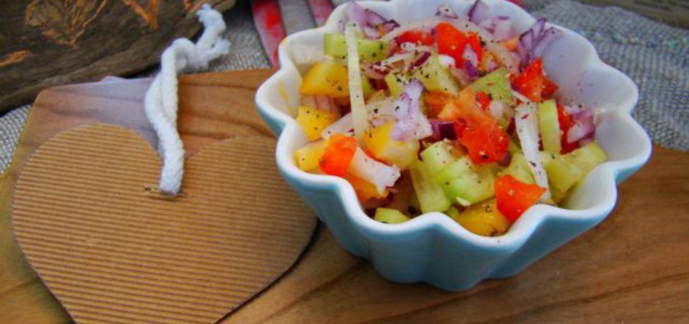 Sałatka obiadowa z ogórkiem zielonym (autor: iwa643 ...