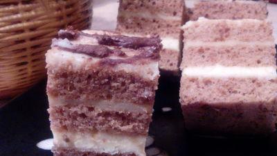 Ciasto miodowe z masą serową