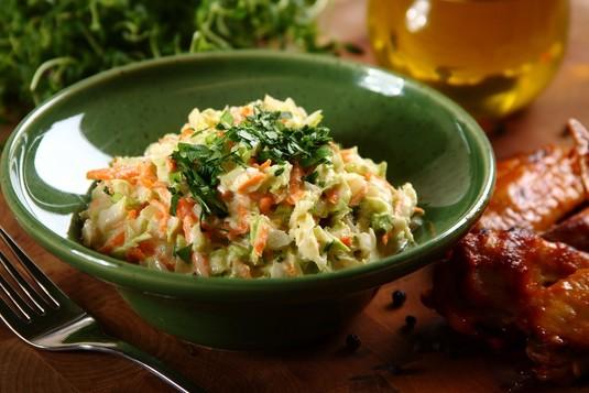 Sałatka coleslaw z kapusty pekińskiej