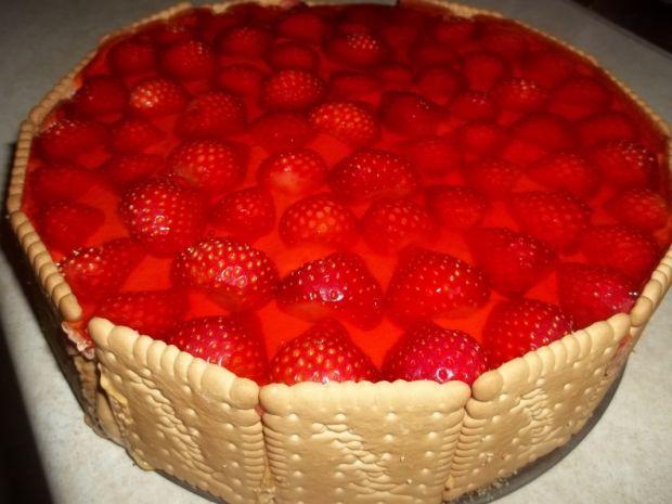 Przepis  ciasto truskawkowe z masą krówkową przepis