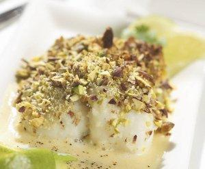 Ryba zapiekana pod pistacjowym chrustem