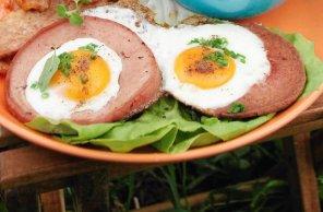 Jajka sadzone w mortadeli  prosty przepis i składniki