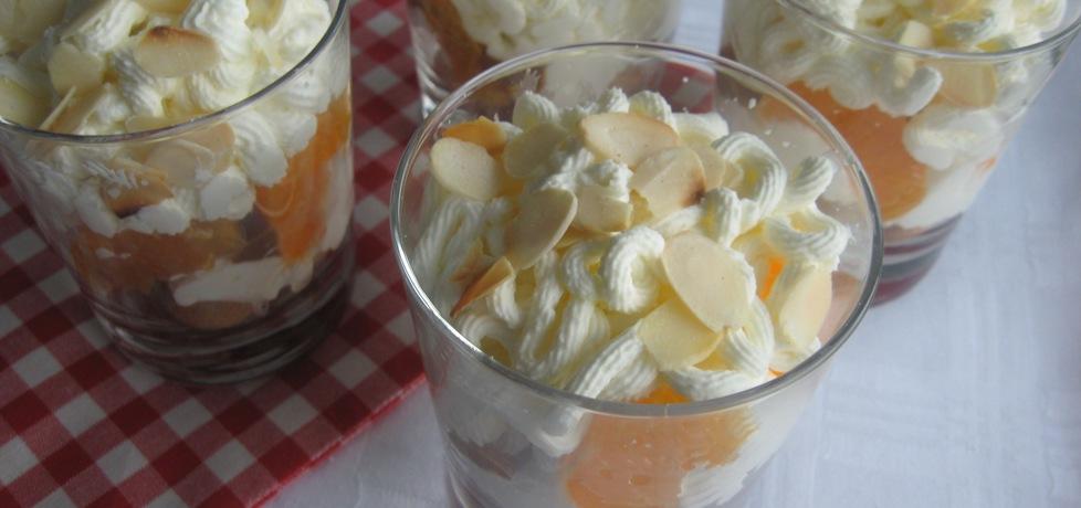 Deser z mandarynkami i ciasteczkami amarettini (autor: anemon ...