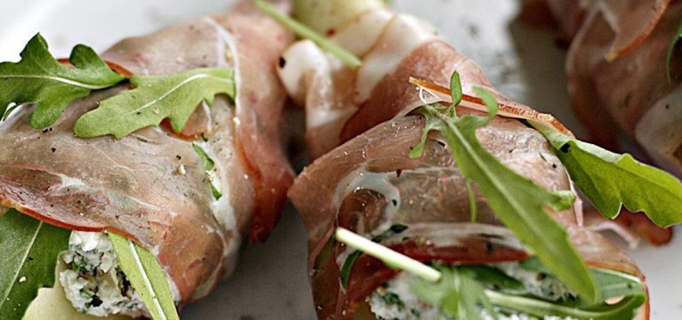 Gruszki z serem pleśniowym w szynce (autor: kuchnia