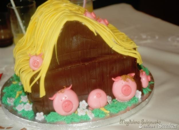 Tort urodzinowy  chlewik pełen świnek.