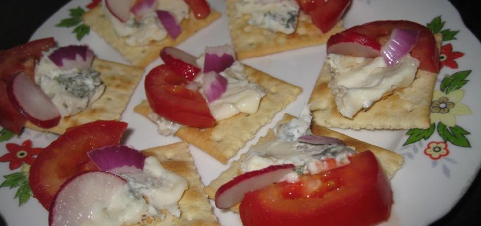 Krakersy z serem lazur błękitny (autor: foczkaks)