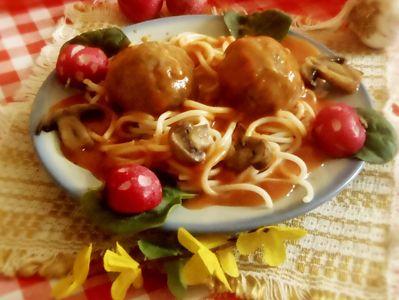 Romantyczne spaghetti z pulpecikami