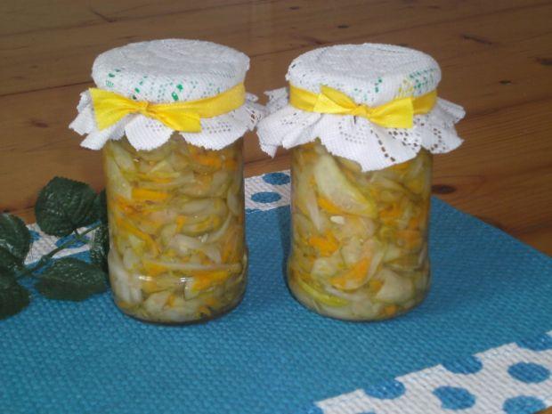Przepis  sałatka z ogórków, marchwi i cebuli przepis