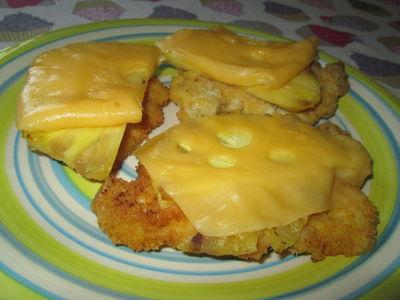 Piersi kurczaka z ananasem i serem