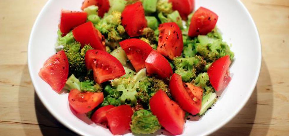 Sałatka brokułowo
