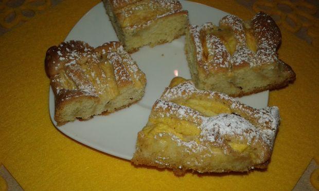 Przepis  pyszne ciasto z jabłkami przepis