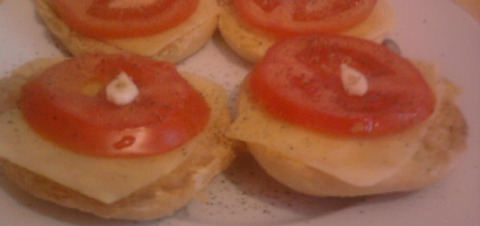 Smażone bułki w jajku z pomidorem,serem i czosnkiem (autor ...
