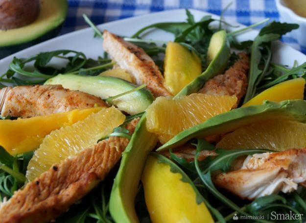Salatka Z Kurczakiem Mango Awokado I Pomarancza Przepis Ze Smaker Pl