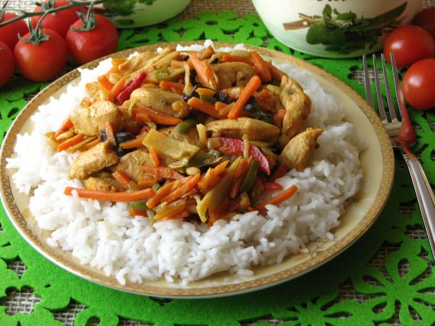 Przepis  kurczak z warzywami po chińsku przepis