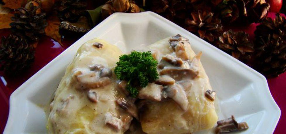 Gołąbki po bieszczadzku z sosem pieczarkowym (autor: iwa643 ...