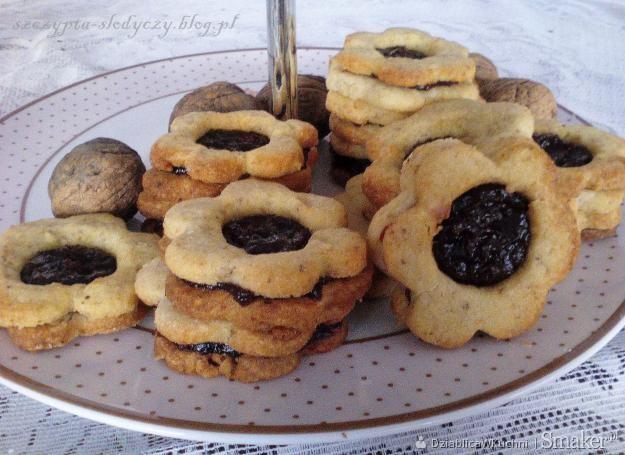 Ciasteczka orzechowe z dżemem