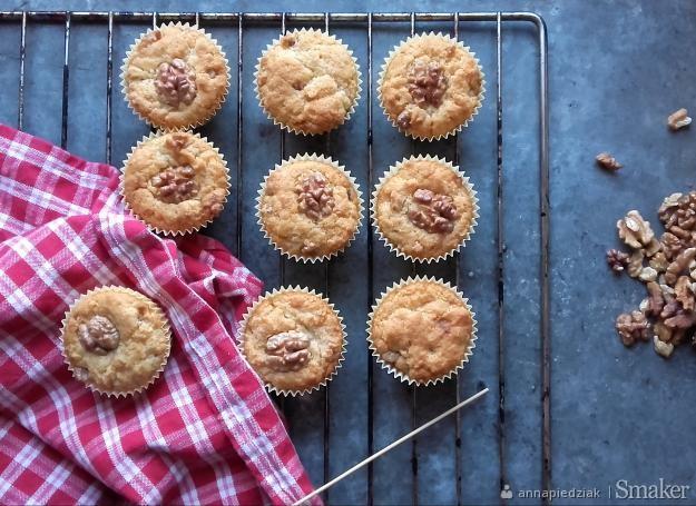 Muffiny karmelowe z orzechami włoskimi