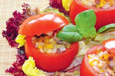Pomidory z sałatką śledziową