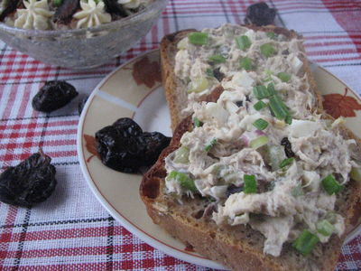 Sałatka z makreli z domowym majonezem
