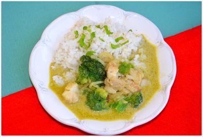 Ogniste zielone curry z dorszem