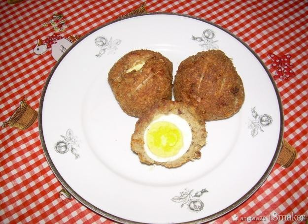 Pieczone mielone kotlety z jajkiem