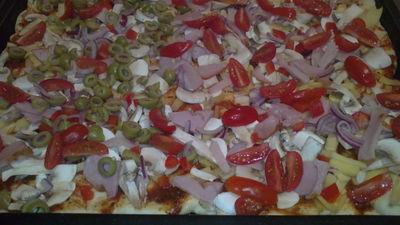 Pizza na chrupiącym cieście