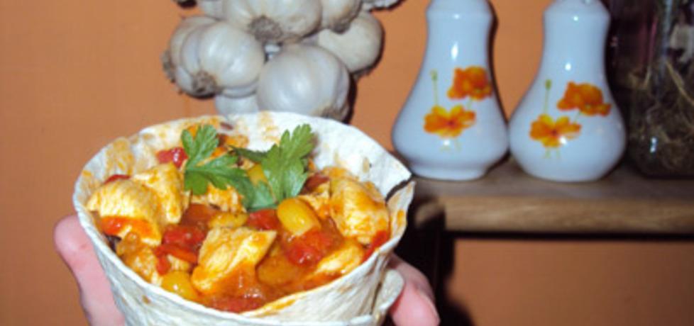 Tortilla z kurczakiem, pomidorami i kukurydzą (autor: przejs ...