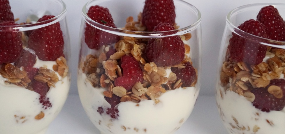 Chrupiący deser jogurtowy z malinami (autor: alexm ...
