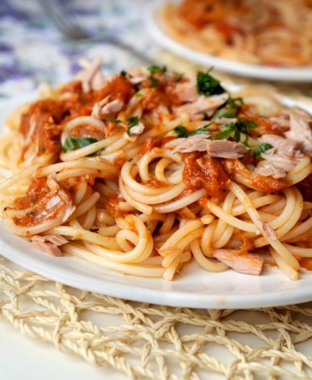 Najlepsze przepisy na: spaghetti z tuńczykiem. gotujmy.pl