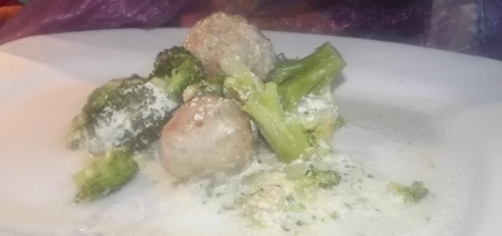 Pulpeciki zapiekane z brokułami. (autor: izabela29 ...