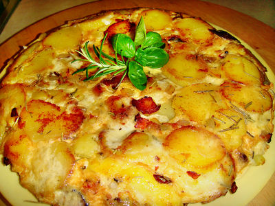 Tortilla de patatas – omlet hiszpański .