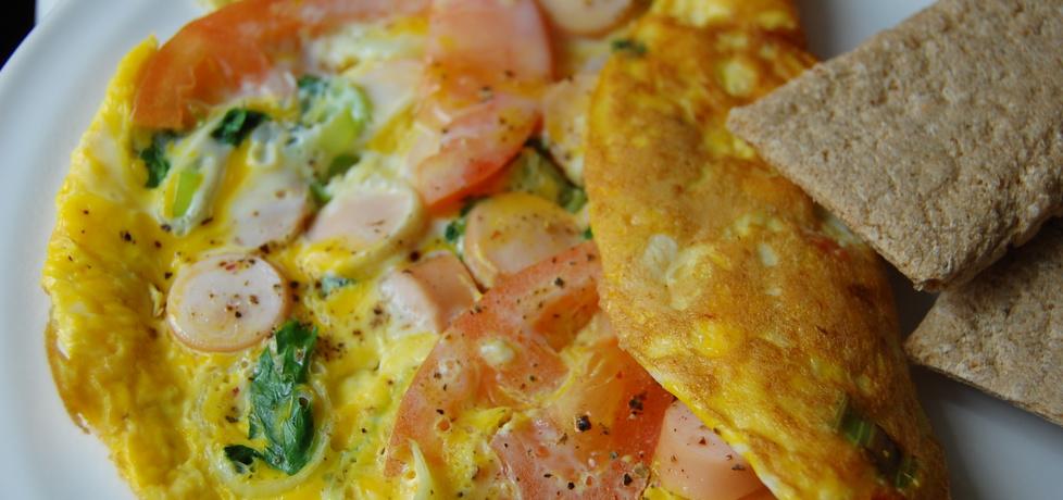 Omlet sniadaniowy z warzywami i parówką (autor: aleksandraolcia ...