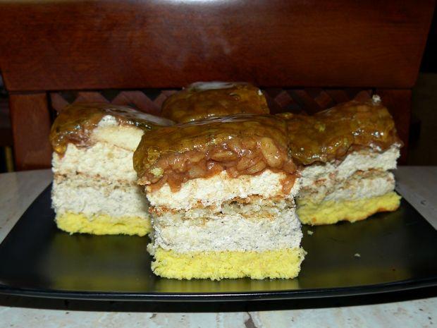 Przepis  ciasto kawowe z kokosem i jabłkami przepis